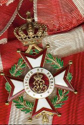 Knight Grand Cross: Badge